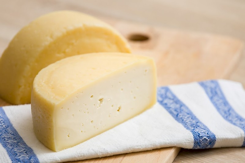 Lyofast MOS 062 D consists of specifically selected strains of Lactococcus lactis ssp. lactis and Streptococcus thermophilus to ensure a uniform and controlled production of fresh cheese, soft cheese, semi-hard cheese, and hard cheese.